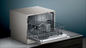Siemens Freistehender Kompakt- Geschirrspüler 55cm Edelstahl lackiert SK26E822EU